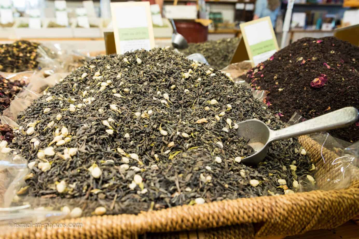 Herbs, spices and nuts-40