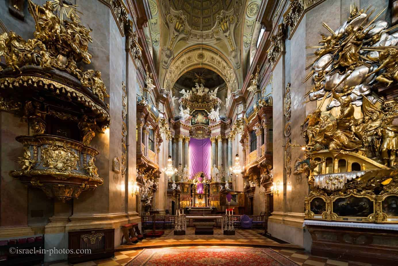 St. Peter's Church. St. Peter's Church AKA Peterskirche in Vienna, Capital de Austria