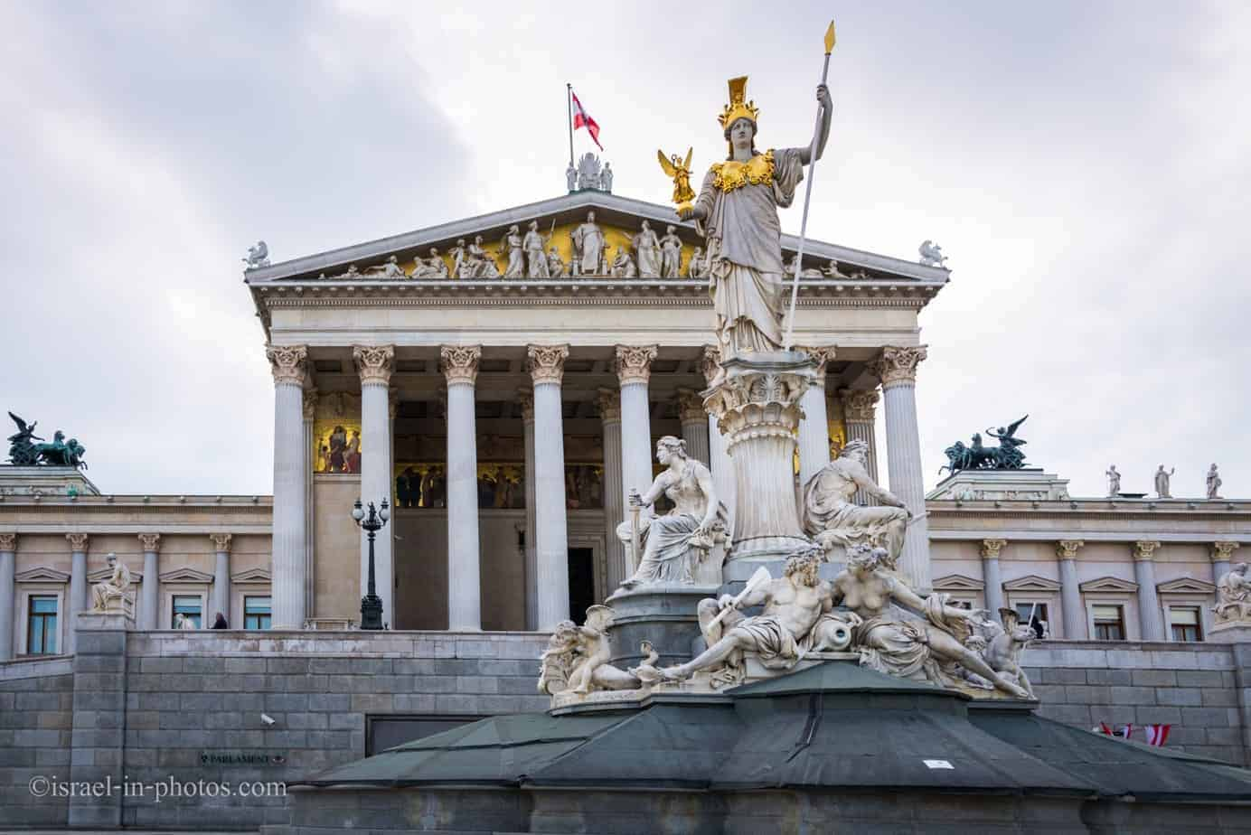 Austrian Parliament Building in Vienna, Capital de Austria