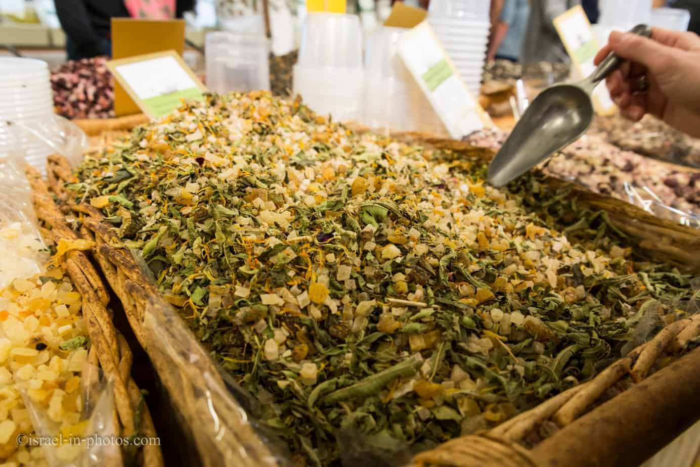 Herbs, spices and nuts-39