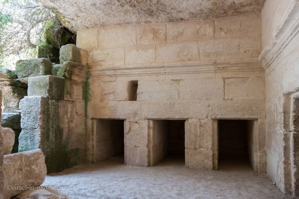 Burial cave at Horvat Midras