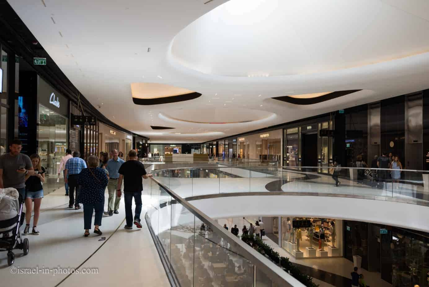 Tel Aviv walks #10 - TLV Fashion Mall