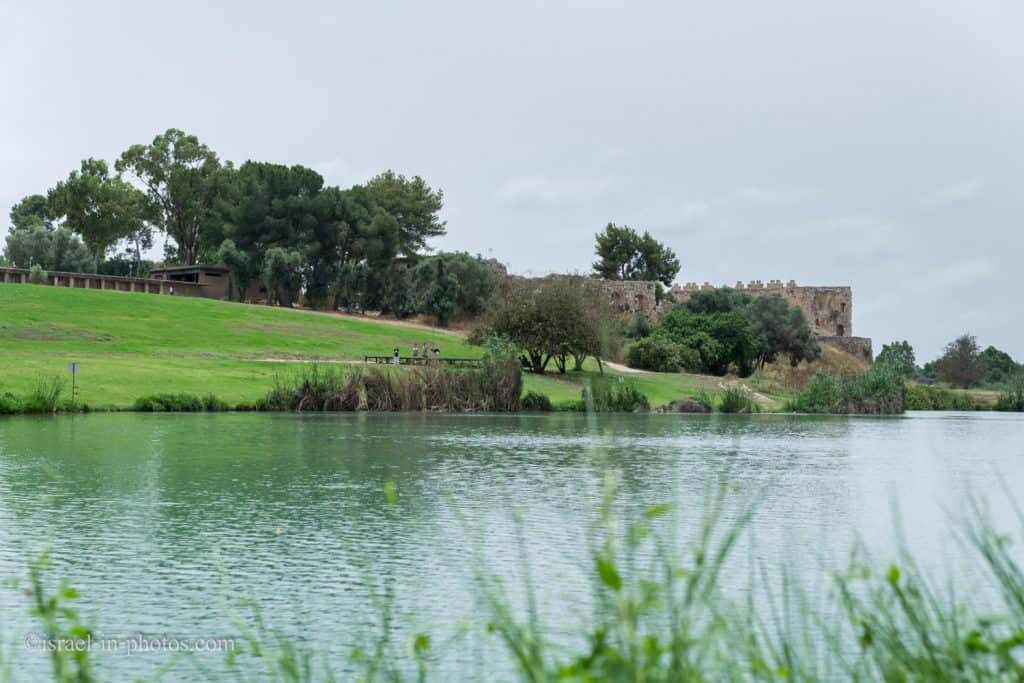 The Artificial Lake, the fort (right), and the water pumping station (left), Yarkon National Park