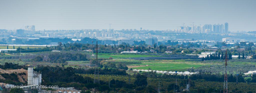 Yavne water tower in the center