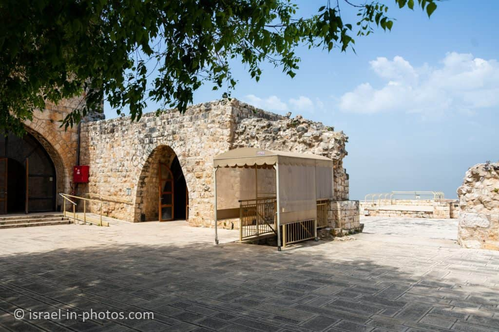 Western Observation Terrace and Bathhouse, Yehiam Fortress