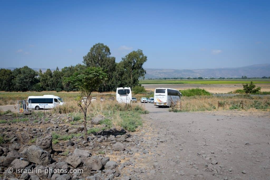 Parking by road #918 at Ein Tina