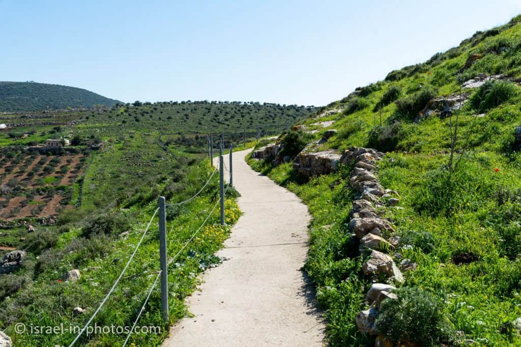 The accessible trail at Tel Yodfat